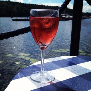 Ett glas rosé