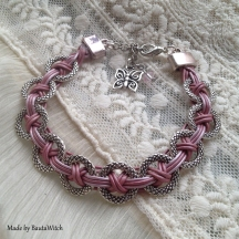 Rosa skinnarmband med ringar made by BautaWitch