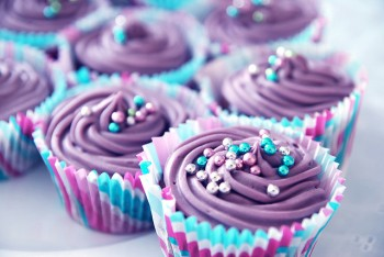 Cupcakes med lila frosting