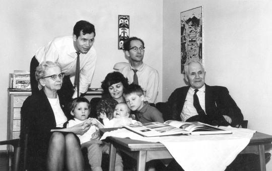 Familjen Hedman i Älvsjö 650313