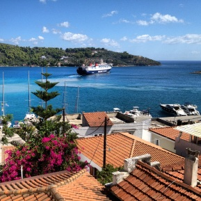 Skiathos hamn från vår balkong