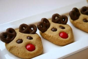 Rudolf med röda mulen - dekorerade småkakor