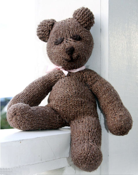 Stickad nallebjörn