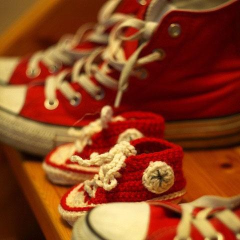 Röda Baby Converse