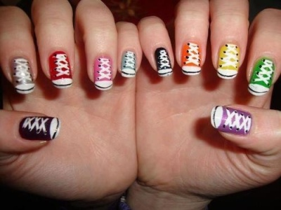 Converse naglar olika farger