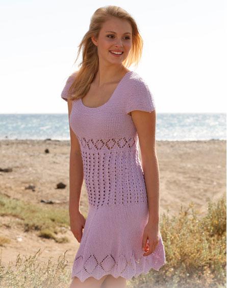 Stickad klänning efter mönster från Drops
