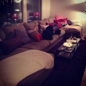 Vackraste N i vår härliga soffa