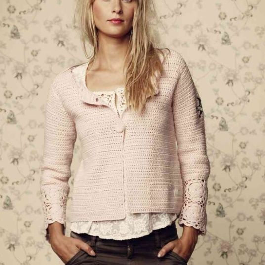 Crochet ming jacket i lite rose