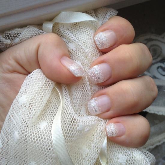 Glitter o spets naglar
