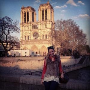 Framför Notre Dame.jpg