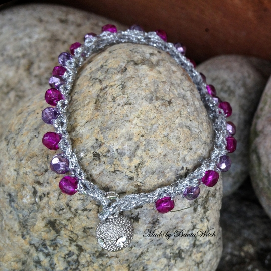 Virkat-armband-Made-by-BautaWitch-prio