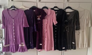 Hela BautaWitch samlingen av Odd Molly velourklänningar