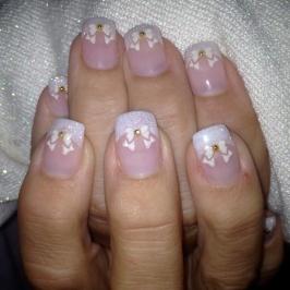 Naglar-med-rosetter