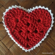 Crochet christmasheart made by BautaWitch