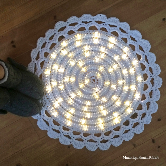 Crochet rug with light made by BautaWitch