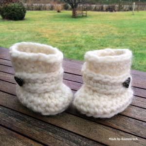 Crochet-Baby-Uggs-by-BautaWitch1