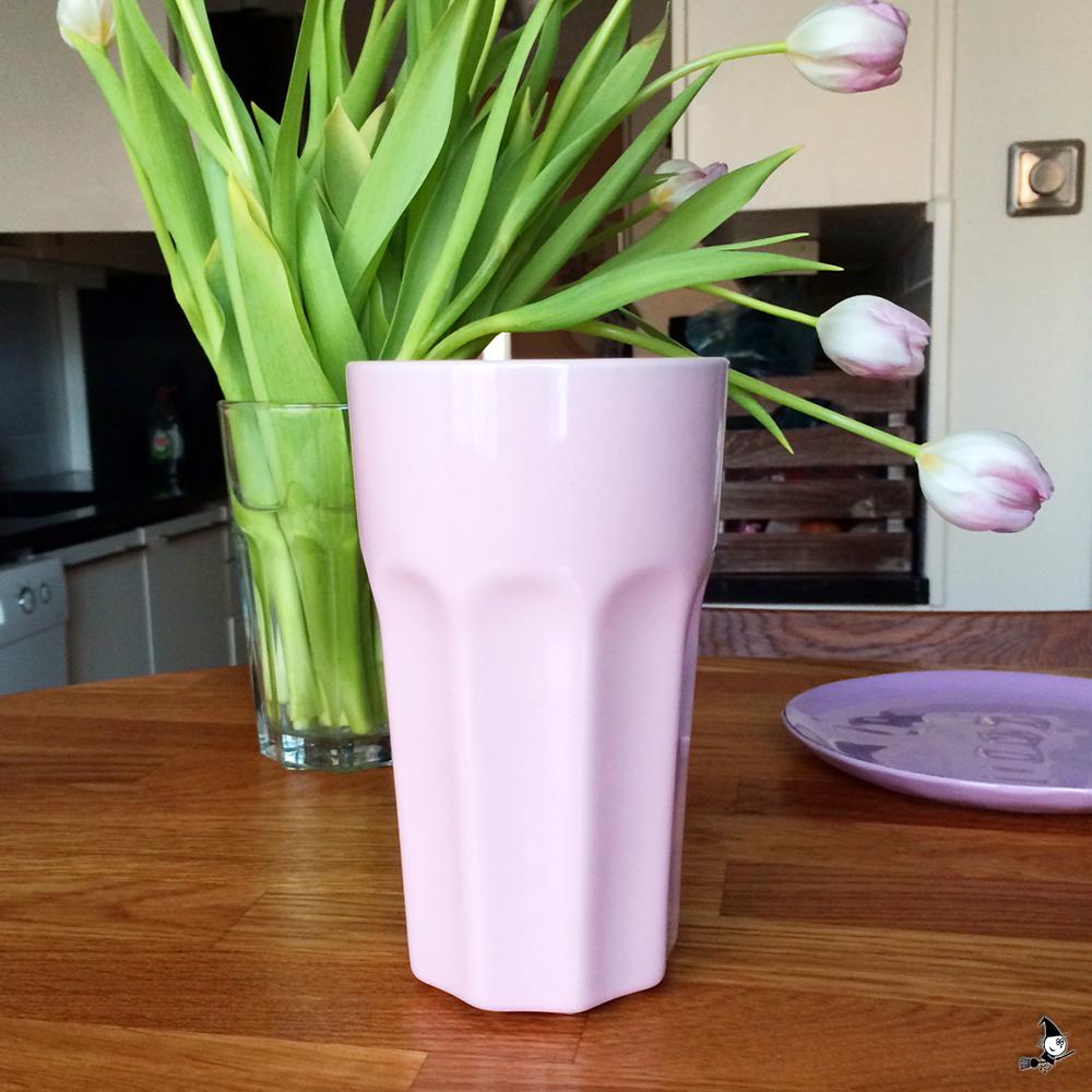 IKEA-rosa-mugg-hos-BautaWitch