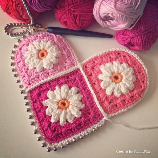 WIP-Crochet-Valentines-Heart-by-BautaWitch