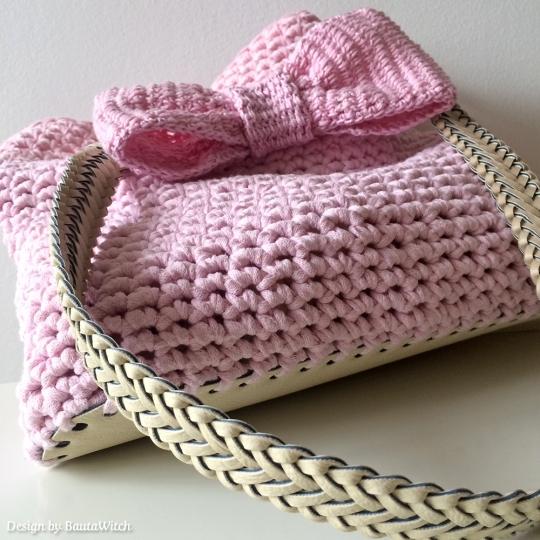 Virkad-rosa-vaska-med-rosett-by-BautaWitch