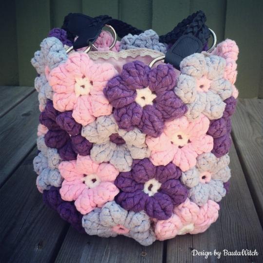 BautaWitch-blomstervaska