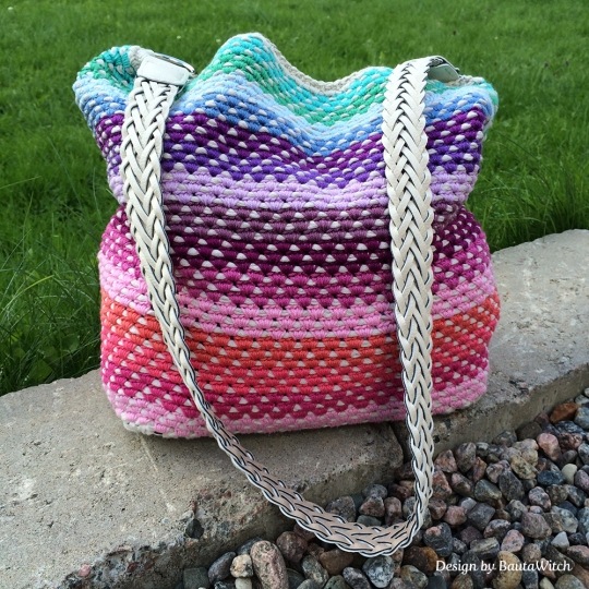 Crochet-Rainbow-bag-by-BautaWitch
