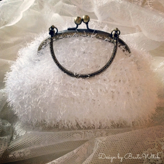 Winter-Wedding-Bag-by-BautaWitch-4