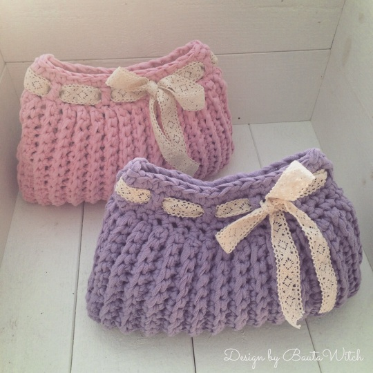 Crochet vanity bags by BautaWitch