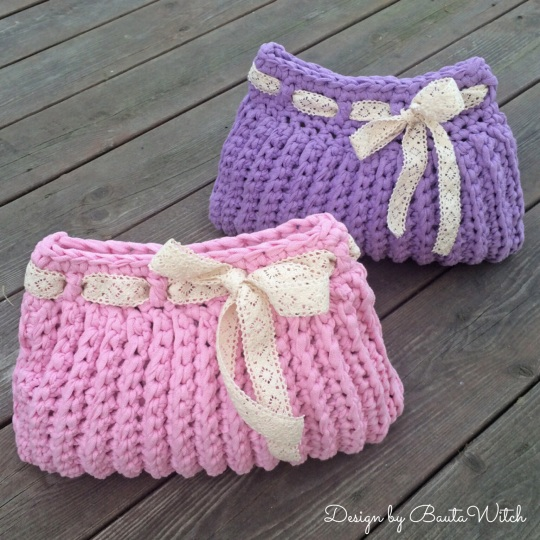 Crocheted vanity bags by BautaWitch
