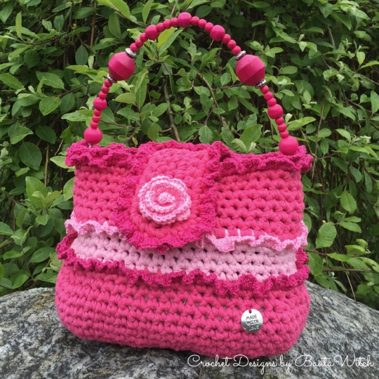 Girly-pink-frill-bag-by-BautaWitch
