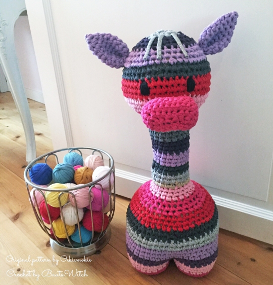 Dörrstop-randig-giraff-by-BautaWitch