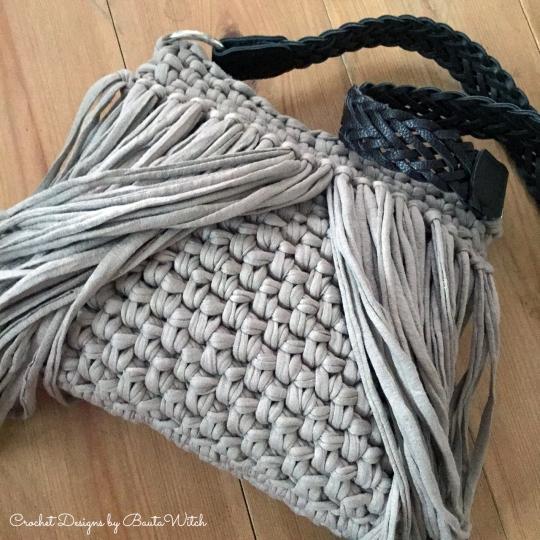 Väska-med-fransar-by-BautaWitch