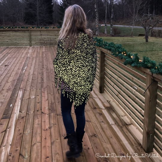 glow-in-the-dark-shawl-by-bautawitch