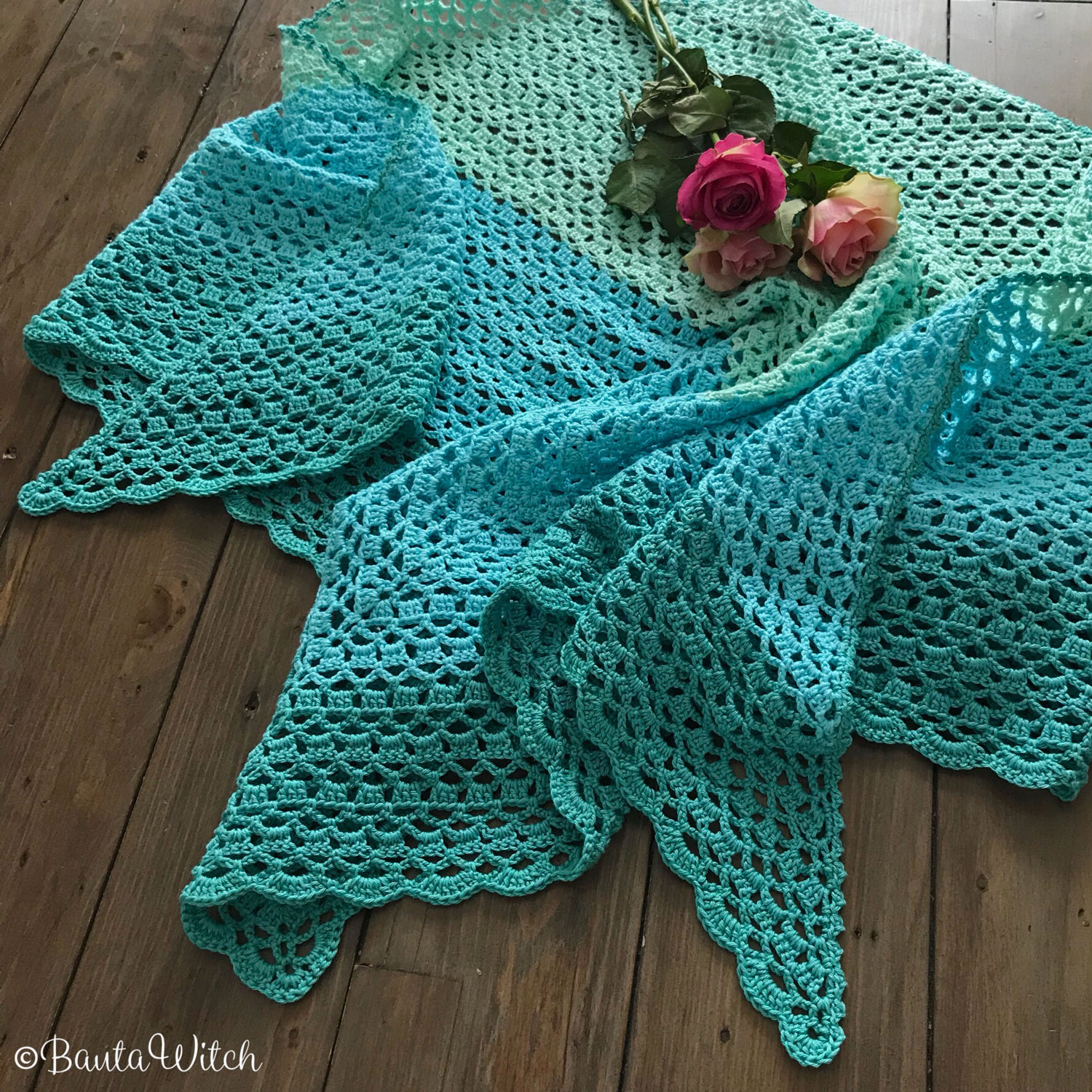 Turquoise-spring-shawl-by-BautaWitch