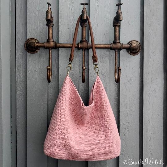 Rosa-väska-i-Catania-by-BautaWitch