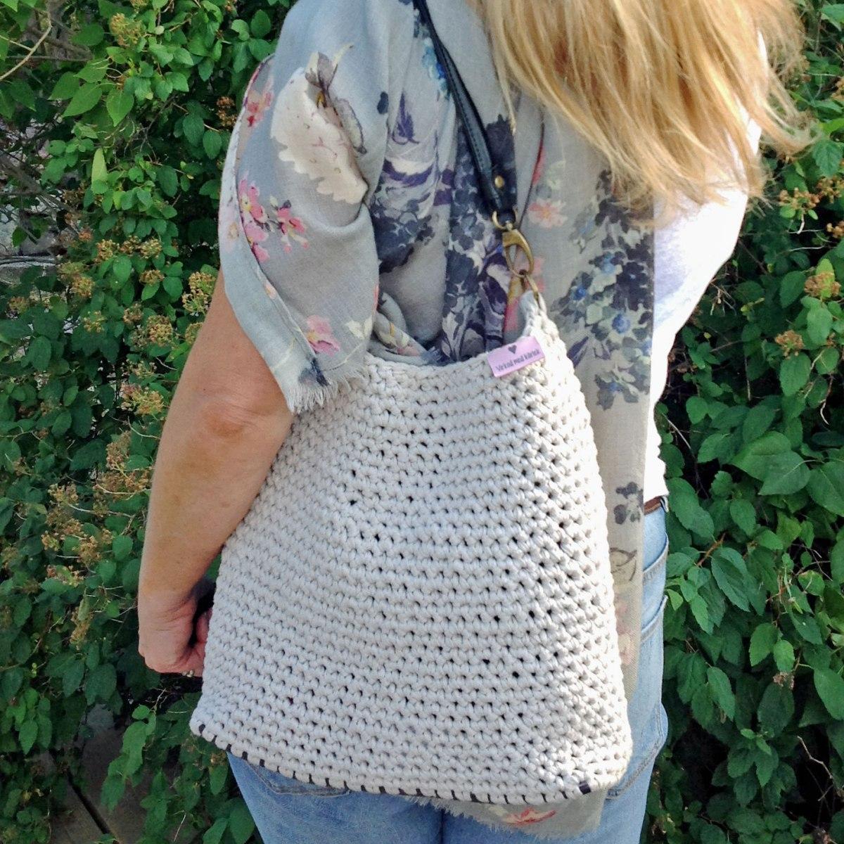 DIY - Snabb- och lättvirkad väska med tuffa detaljer