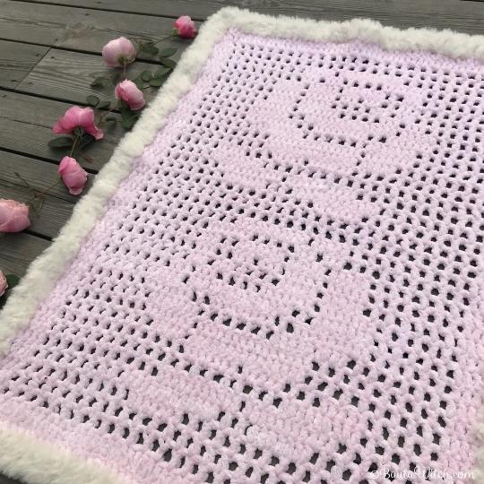 Babyfilt-rosor-by-BautaWitch